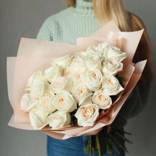 Купить на заказ Букет из 31 белой розы с доставкой в Степняке