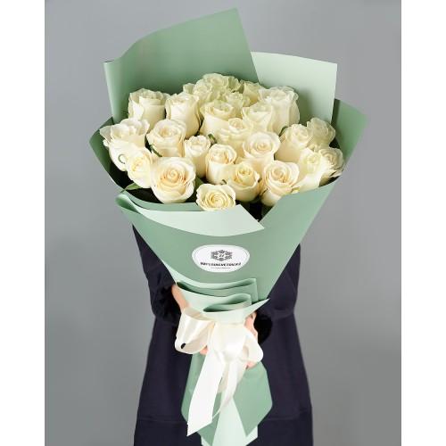 Купить на заказ Букет из 25 белых роз с доставкой в Степняке