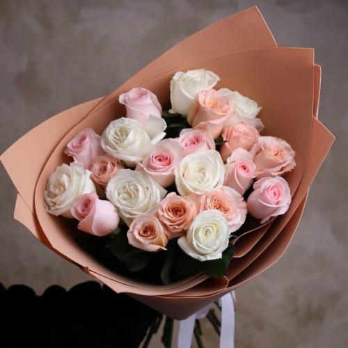 Купить на заказ Букет из 21 розы (микс) с доставкой в Степняке
